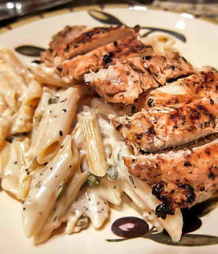 bowl of chicken pasta