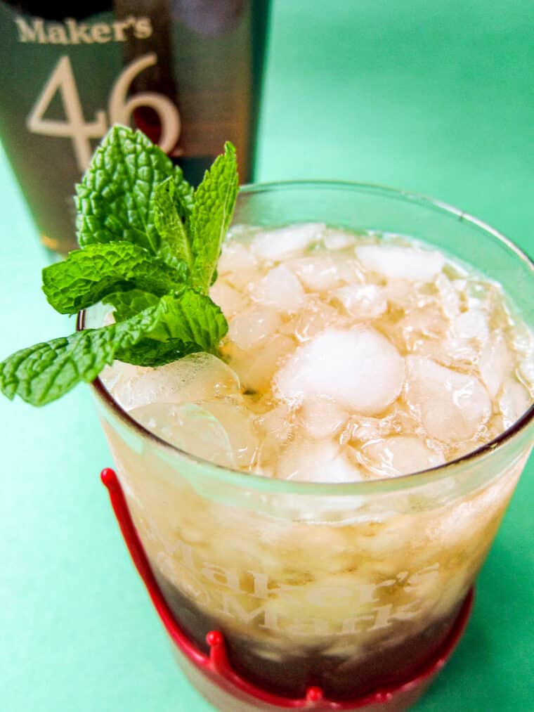 mint julep cocktail in a glass