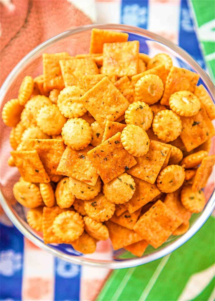 bowl of buffalo ranch snack crackers