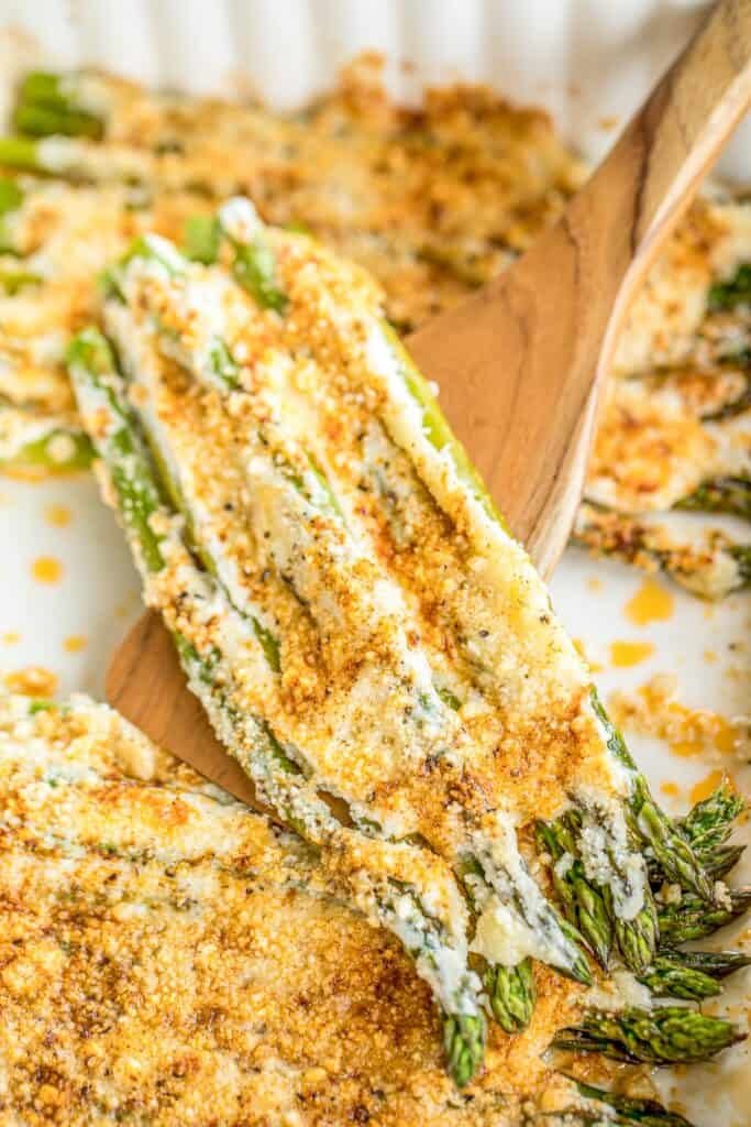 baking dish of asparagus
