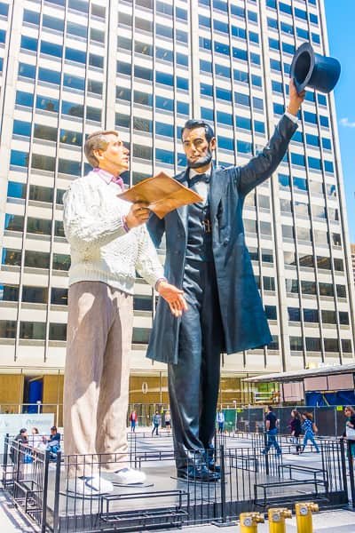 Abraham Lincoln statue on Michigan Ave in Chicago