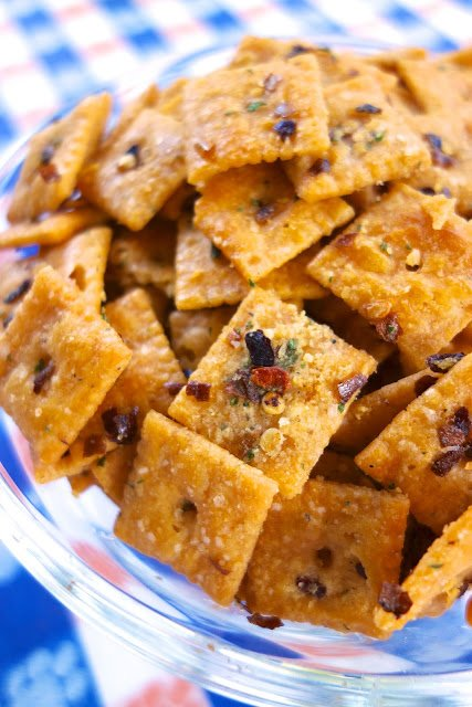 Fire Crackerz - spicy Cheez-Its - coated in red pepper flakes and Ranch dressing - SO addictive! Great for parties!