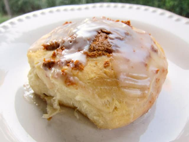 Cinnamon Biscuits - OMG! SO good! Only 5 ingredients - refrigerated biscuits, cinnamon chips, powdered sugar, vanilla and milk - quick breakfast idea! These get requested weekly for breakfast!
