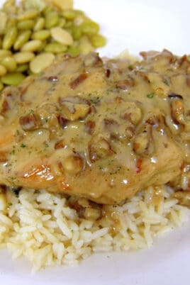 chicken with pecan sauce