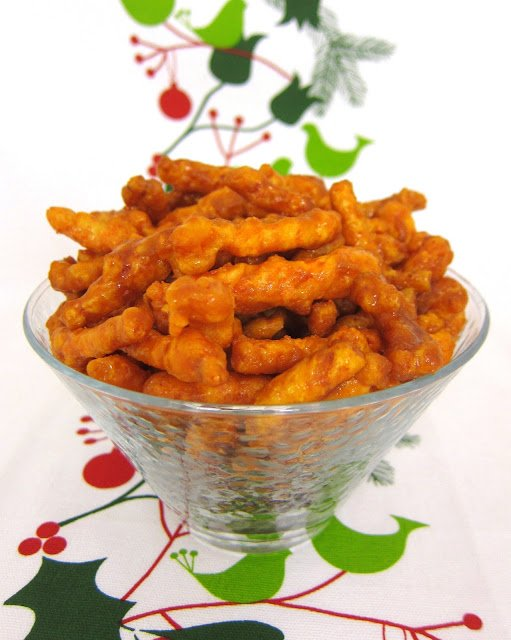 Caramel Cheetos - crazy good! Only 5 ingredients! You won't be able to stop eating these! Cheetos tossed in brown sugar, butter, corn syrup and baking soda. Sounds weird, but they are OH SO GOOD! Reminds me of Chicago Mix Popcorn.