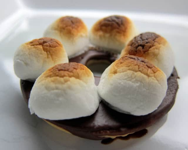 Lazy S'mores Recipe - only 2 ingredients! Tastes great and SO easy!