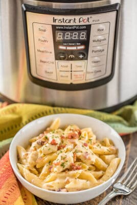 bowl of instant pot chicken pasta