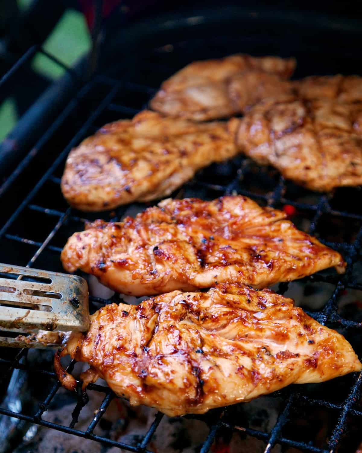 3-Ingredient Italian BBQ Chicken - THE BEST chicken marinade! We eat this at least once a week. SO delicious and SUPER easy!! You probably have all the ingredients in your pantry right now. Make it tonight!!