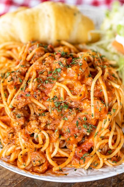 plate of spaghetti and sauce