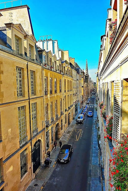 View from apartment on the Ile Saint-Louis - GirlsGuidetoParis.com