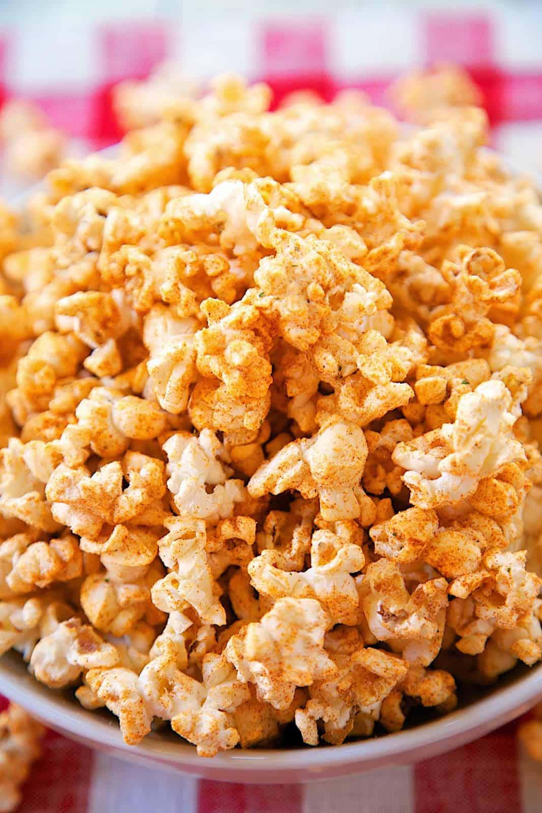 BBQ Ranch Popcorn Recipe - microwave popcorn seasoned with Ranch dressing mix, paprika and brown sugar. Great snack for your summer BBQ! Ready in 10 minutes!!