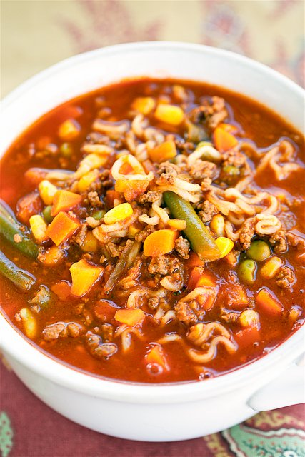 Beef and Ramen Vegetable Soup - only 5 ingredients and ready in under 20 minutes! Ground beef, V-8 Vegetable Juice, Onion Soup Mix, Beef Ramen Noodles and Mixed Vegetables. SOOO good! Everyone loved this soup and went back for seconds. Great for a crowd!