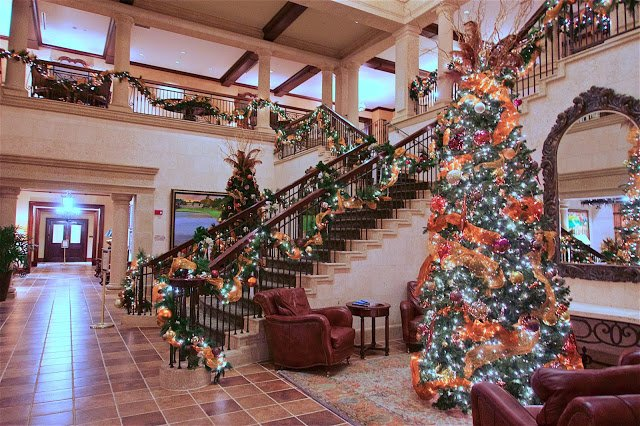 TPC Sawgrass Clubhouse in Ponte Vedra, FL decorated for Christmas