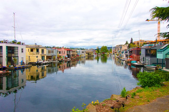 Houseboats at Lake Union in Seattle, WA