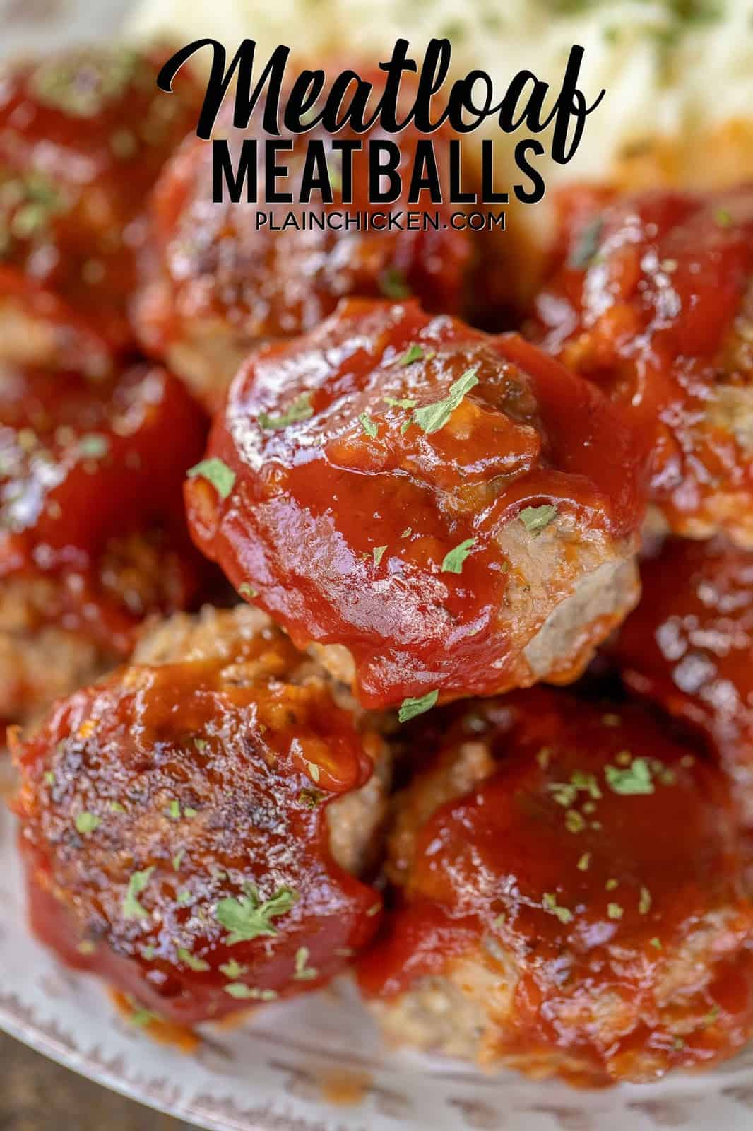 Meatloaf Meatballs - super delicious! Great at a meal or a party appetizer. Ground beef, oatmeal, milk, onion, salt, pepper, ketchup, sugar, vinegar, hot sauce and Worcestershire. I always double the recipe! The whole family LOVES these yummy meatballs! #beefrecipes #meatloaf #meatballs