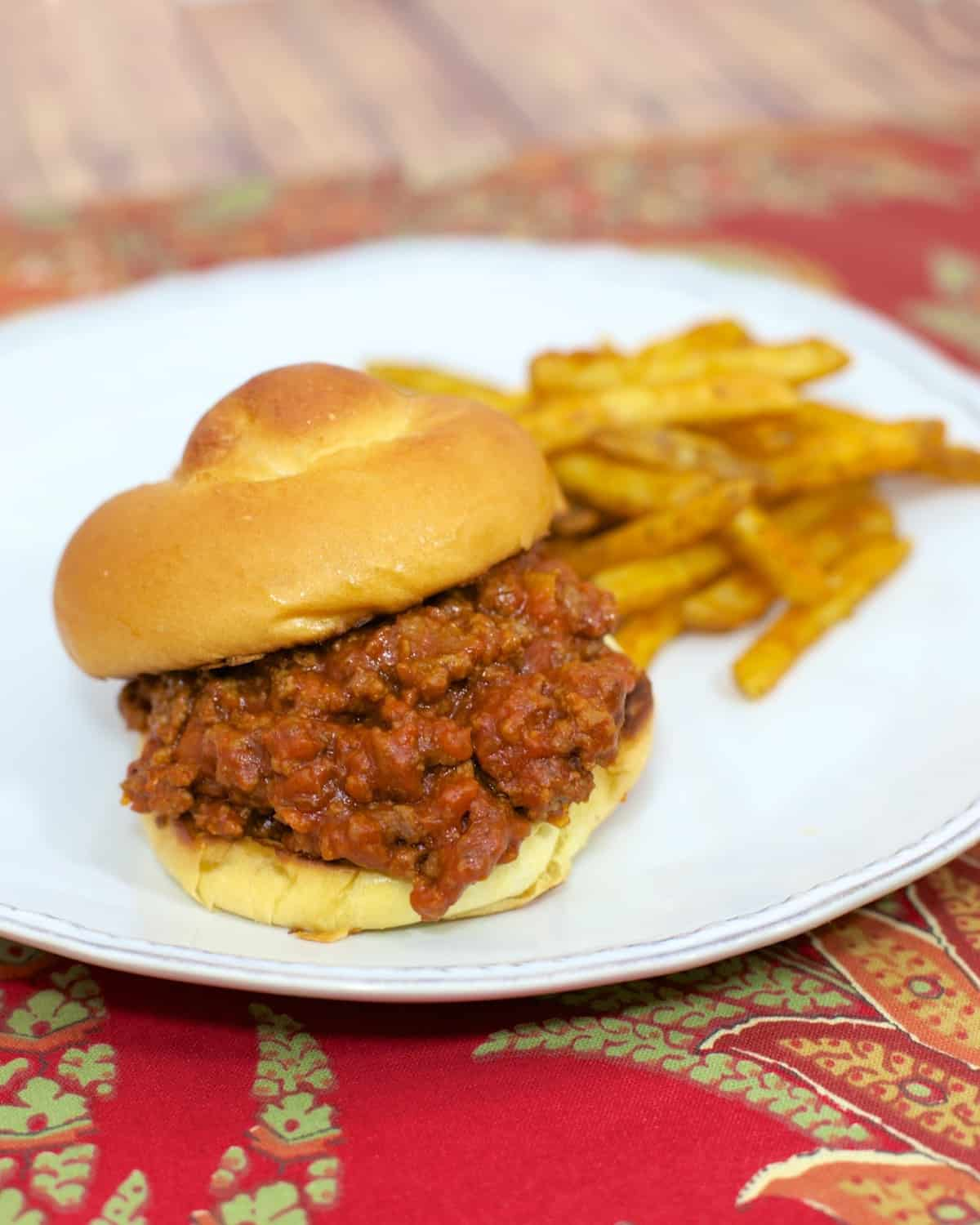 Salsa Sloppy Joes - only 5 ingredients! Ground beef, salsa, tomato soup, brown sugar and buns! Ready in about 15 minutes!! Everyone loved these sloppy joes! Quick weeknight meal!