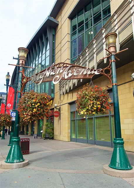 Stephen Avenue Walk - great spot for shopping, eating and drinking in Calgary!