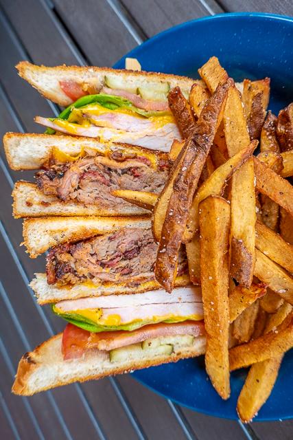 Club Sandwich with smoked turkey & pulled pork