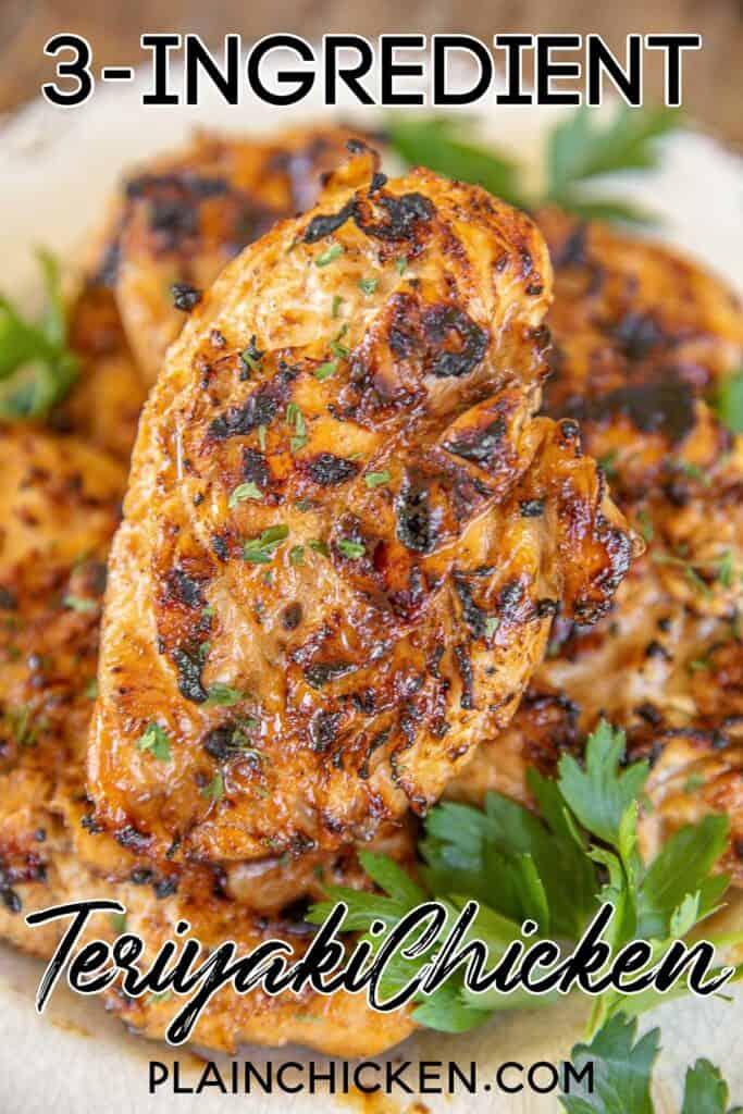 Gegrilltes Huhn auf einem Teller