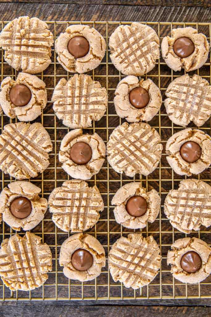 peanut butter cookies on cooling rack