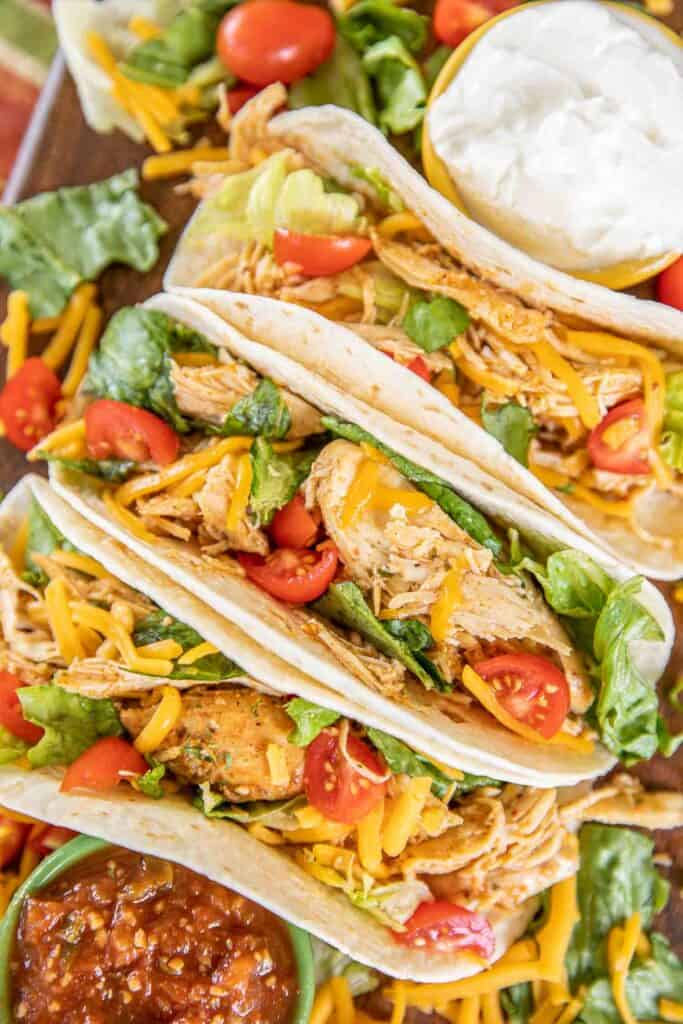 plate of chicken tacos