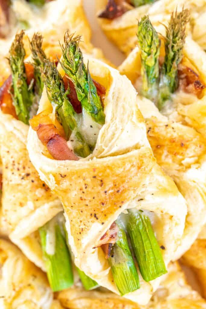 puff pastry stuffed with proscuitto asparagus and cheese