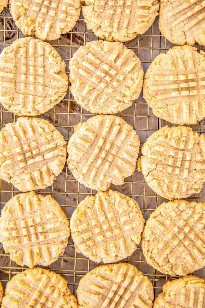 peanut butter cookies on a cooing rack